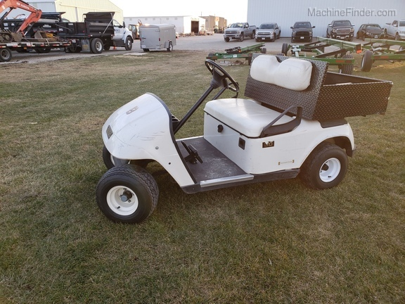 E-Z-GO ELEC. GOLF CART Image 2