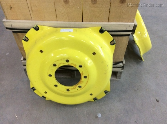 John Deere SU33664 REAR WHEEL RIM Image 1