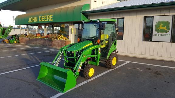 2018 John Deere 1025r Cab Compact Utility Tractors