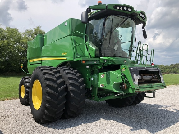 Photo of 2019 John Deere S790